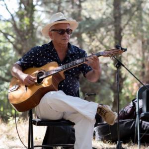 Marc Roger, guitare solo.