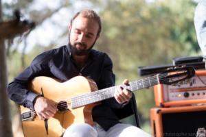Nicolas Sausa, guitare rythmique.